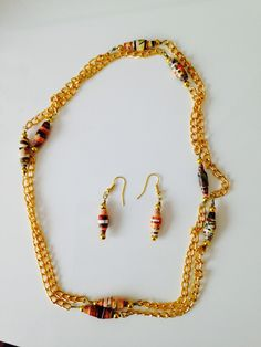 Gold Paper necklace via craft jewelry. Click on the image to see more!