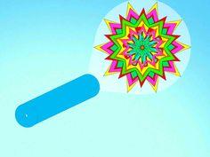 .Kaléidoscope simple      un tube en carton de 20 cm de long.     une pochette en plastique rigide ou un morceau de plastique rigide     une règle     un feutre ou des marqueurs     un carré de 10 cm de côté de cartonnette noire     un carré de 10 cm de côté de film transparent     un carré de 10 cm de côté de papier sulfurisé     des ciseaux     du scotch     du ruban adhésif     des décorations adhésives