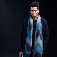 Playful, striking, or purposeful — your palette choice will determine the mood of Jared Flood's #BevelScarf. Bevel can be worked in Loft for lightweight warmth or in Arbor for greater drape and heft as well as a larger size. The pattern calls for three contrast colors, but using scraps in a gradient or as bright accents opens up limitless possibilities. Loft handknitting kits for Bevel are available on our webstore in six different colorways inspired by the season— link in profile…