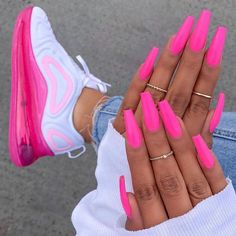 Nike Air Max 720 in bunt – - Summer Acrylic Nails Bright Summer Acrylic Nails, Pink Acrylic Nails, Neon Nails, Gradient Nails, Matte Nails, Holographic Nails, Stiletto Nails, Nail Pink, Bright Pink Nails