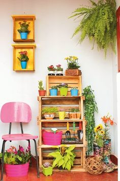 Cute! I want to make an area like this on the patio between the house and garage.