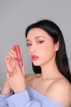 Glamorous Makeup, Glam Makeup, Eyeshadow Makeup, Hair Makeup, Beauty Shoot, Beauty Makeup Tips, Hair Beauty, Asian Makeup, Korean Makeup