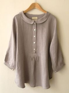 LINNET Linen blouse リネンブラウス This would look terrible on me but it's beautiful. Plus Size Casual, Casual Tops, Comfy Casual, Linen Blouse, Linen Tunic, Linen Dresses, Cotton Dresses, Mode Outfits, Chic Outfits