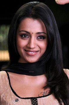 South Actress, South Indian Actress, Beautiful Indian Actress, Trisha Actress, Actress Anushka, Malayalam Actress, Trisha Photos, Saree Photoshoot, Indian Beauty Saree