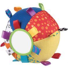 La balle d'activités en tissus de Playgro peut se fixer avec 2 cordons. Elle développe l'ouïe, la vue et le toucher de bébé.