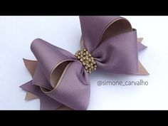 Laço Formosura 3 invertido - YouTube Ribbon Hair Bows, Diy Hair Bows, Diy Bow, Bow Hair Clips, Party Wear Maxi Dresses, Scarf Knots, Hair Bow Tutorial, Making Hair Bows, Hair Beads