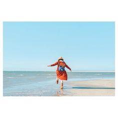 Pretty Photos, Cool Photos, Bright Background, Sea Photo, Life Is Strange, Photo Reference, Film Stills, Girl Poses, Photo Poses