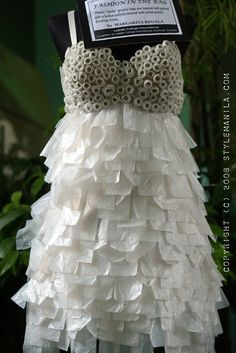 this is amazing!! completely made from plastic bags and straws....! oh to be this creative...