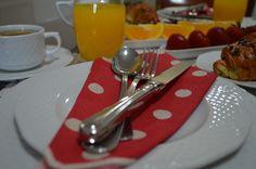 Luxury Homes, Tableware, Kitchen, Luxurious Homes, Luxury Houses, Dinnerware, Cooking, Tablewares, Kitchens