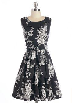 Pretty Black and White Dress