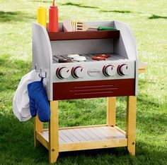 The Kids Play BBQ: for outdoor grilling fun. Omg I want one for the cubby! Bbqs on the patio!