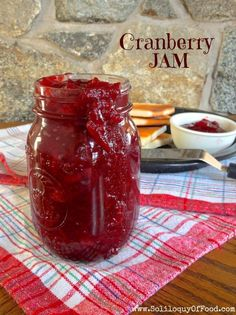 It's time for me – Kim, from Soliloquy Of Food & Such – to take over again! Today I am sharing homemade Cranberry Jam. Cranberries, sugar, water plus a 25 minute jam session. Freezer Jam Recipes, Jelly Recipes, Canning Recipes, Freezer Meals, Cranberry Jam, Cranberry Recipes, Highbush Cranberry, Refrigerator Jam, Sauces