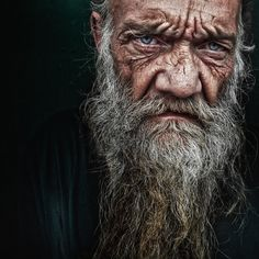Project of Photographer Lee Jeffries called LOST ANGELS. Portraits of homeless people. Lee Jeffries, Foto Portrait, Portrait Art, White Photography, Portrait Photography, Photography Ideas, Old Faces, Homeless People, Chiaroscuro