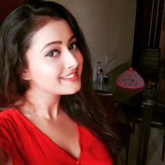 Most Beautiful Bollywood Actress, Cute Girl Drawing, Radha Krishna Photo, Head & Shoulders, Indian Beauty Saree, India Beauty, Indian Bridal, Beauty Women, Cute Girls