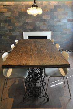 table avec pied machine coudre singer utilisation des cadres de machines coude comme. Black Bedroom Furniture Sets. Home Design Ideas