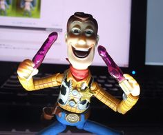 Top 12 des photos de Creepy Woody, le côté obscur de « Toy Story »