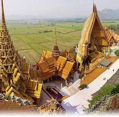 Tiger Cave Temple (Wat Tham Sua), Kanchanaburi, Thailand.