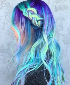 17 Amazing Examples of Green Hair Trends) - Style My Hairs Pulp Riot Hair Color, Vivid Hair Color, Pretty Hair Color, Hair Dye Colors, Ombre Hair Color, Ombre Hair Dye, Hair Mascara, Pastel Hair, Pastel Rainbow Hair