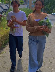 Couple Aesthetic, Summer Aesthetic, Aesthetic Photo, Aesthetic Pictures, Aesthetic Clothes, Indie Kids, The Love Club, Teen Romance, Bae