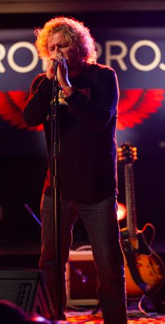 Sammy Hagar: Former singer for Van Halen from the mid to the late Van Hagar, Red Rocker, Sammy Hagar, Art Beat, Solo Photo, Drum Lessons, Concert Photography, Best Rock, Bruce Springsteen