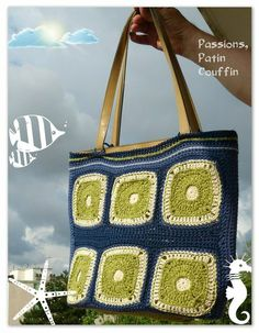 sac granny hublot2. Pattern for square here: http://passionspatincou.canalblog.com/archives/2013/06/15/27439725.html .  ☀CQ #crochet #bags #totes  http://www.pinterest.com/CoronaQueen/crochet-bags-totes-purses-cases-etc-corona/