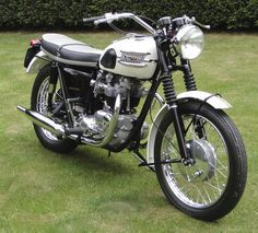 1963 Triumph Bonneville T120, there's just something about this timeless style.