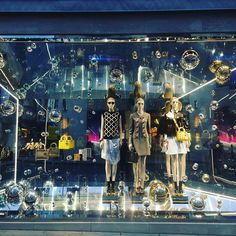"DIOR, London, UK, ""Having a Ball this Christmas"", photo by Window Shoppings, pinned by Ton van der Veer"