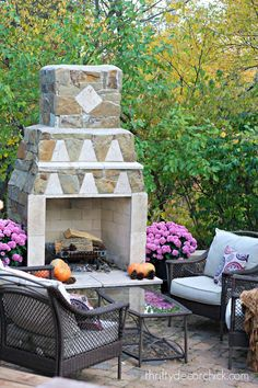 fall mums and outdoor seating
