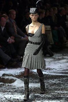 Alexander McQueen Fall 2003 Ready-to-Wear Collection Photos - Vogue