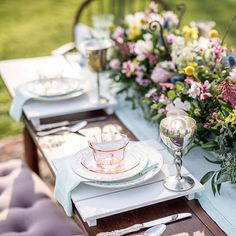 I adore this #tablescape for so many reasons. First of all, it was a fun #collaboration among many local vendors. Second, the depression glass and #vintage china were my grandmother's. Lastly, the shoot turned out beautifully! Tap for vendors. • #ourlynch
