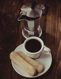 {Edith genießt! Rezepte für's Leben ...}: Ein bisschen Italien ins Leben holen - ein Tiramis... Tiramisu, Stove, Coffee Maker, Kitchen Appliances, Kaffee, Italy, Cooking, Life