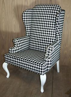 hounds tooth chair