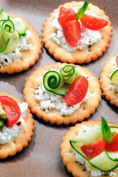 simple and super easy shower/wedding food ideas, dessert inspirations - Bite size canapes with cottagecheese,courgette and tomato