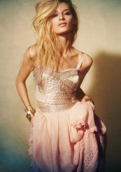 ZsaZsa Bellagio: So Pretty and Feminine