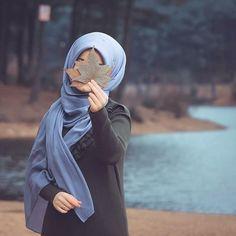 Image may contain: one or more people and outdoor Tesettür Tunik Modelleri 2020 Arab Girls Hijab, Muslim Girls, Muslim Women, Hijab Style Dress, Casual Hijab Outfit, Casual Outfits, Modern Hijab Fashion, Muslim Fashion, Stylish Girls Photos