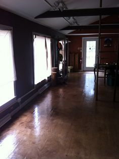 The Copper Frog Gallery Allentown NJ Paper Bag Flooring, Diy Flooring, Flooring Ideas, How To Make Diy, Diy Projects, Project Ideas, Craft Ideas, Diy Home Improvement, Home Remodeling