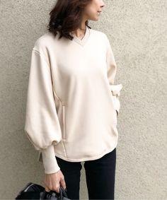 Japan Fashion, Girl Fashion, Fashion Outfits, Fashion Design, Blazer Jackets For Women, Fashion Fabric, Fashion Sketches, Travel Style, Casual Wear