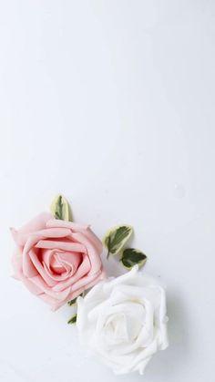 Cute Flower Wallpapers, Flower Iphone Wallpaper, Rose Wallpaper, Scenery Wallpaper, Aesthetic Iphone Wallpaper, Wallpaper Backgrounds, Aesthetic Wallpapers, Beautiful Rose Flowers, Exotic Flowers