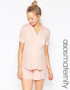 Imagen 1 de Conjunto tradicional de pijama con pantalón corto de ASOS Maternity