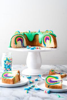 A rainbow cake is fun to look at and eat and a lot easier to make than you might think. Here's a step-by-step guide for how to make a rainbow birthday cake. Pretty Cakes, Beautiful Cakes, Sugar Dough, Bolo Cake, Cake Photography, Cake Flour, Cake Creations, Cake Batter, Sweet Bread