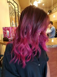Hot pink baylage @hair.by.miss.king #mekingbeauty