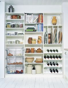Simple and Efficient Shelving Systems