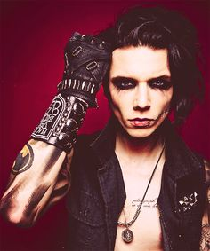 bvb ahh dont look in his eyes you're soul will die of hotness