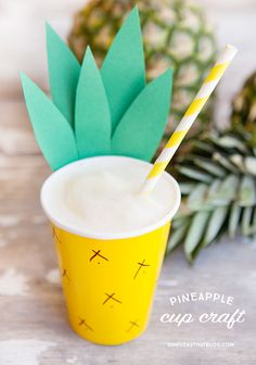 Cup Craft Pineapple Cup Craft and family friendly Pina Colada recipe!Pineapple Cup Craft and family friendly Pina Colada recipe! Aloha Party, Hawai Party, Tiki Party, Fiesta Party, Hawaiin Theme Party, Flamingo Party, Moana Party, Party Banner, Pineapple Cup