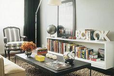 Estante de livros + mesa de centro
