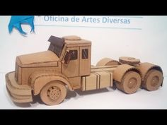 Scania jacaré feita com papelão - YouTube Cardboard Model, Cardboard Art, Paper Magic, Paper Models, Wood Projects, Toys, Jeep Willys, Limo, Diorama