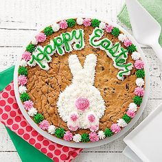 Search for mrs fields happy easter cookie cake Giant Cookie Cake, Chocolate Chip Cookie Cake, Big Cookie, Cake Cookies, Cookies Et Biscuits, Cupcake Cakes, Pizza Cookies, Super Cookies, Big Chocolate