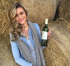 Miss Earth South Africa represents Enaleni Vineyards
