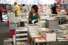 Dopo il successo della scorsa edizione, torna anche quest'anno, dall'8 al 23 settembre dalle ore 10.00 alle 22.00, la grande Libreria dell'Arte, organizzata da Artelibro in collaborazione con librerie.coop, che riunisce gli editori d'arte in Piazza Nettuno, di fronte a Palazzo Re Enzo e del