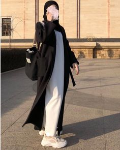 Hijab Style Dress, Modest Fashion Hijab, Modern Hijab Fashion, Street Hijab Fashion, Casual Hijab Outfit, Hijab Fashion Inspiration, Abaya Fashion, Islamic Fashion, Muslim Fashion